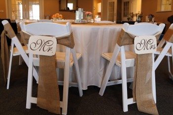 Mr & Mrs Sign with Burlap Sashes