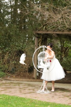 Bride Releasing Doves at The Manor in Everett, WA